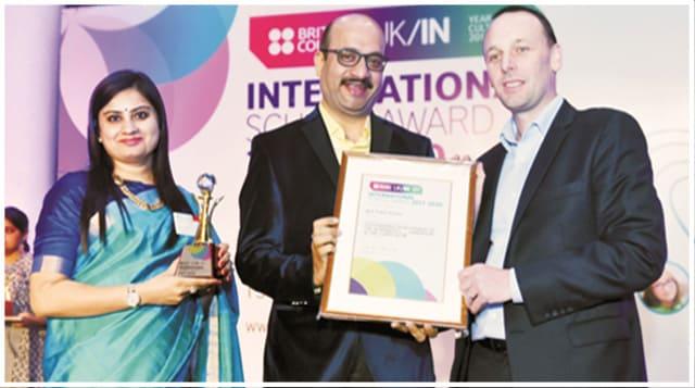 home_award01